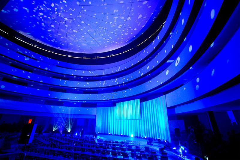 ideas para iluminar y decorar espacios para eventos