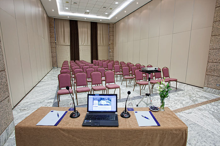 Conferencias y reuniones en Barceló Cáceres V Centenario